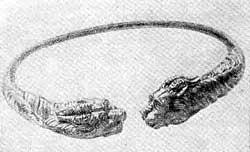 Золотая шейная гривна скифского типа. Найдена около Эрзурума (Малая Азия). VII—VI вв. до н. э.